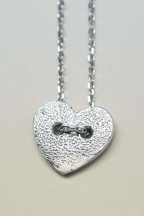 Heart button necklace in silver