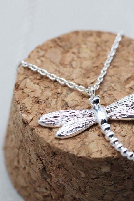 Dragonfly pendant Necklace in Silver