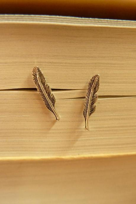 Mini Leaf Shaped Stud Earrings