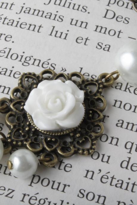 White flower cabochon and brass necklace - shabby chic - long necklace - white rose bud necklace -brass and pearl - vintage style jewelry- sautoir