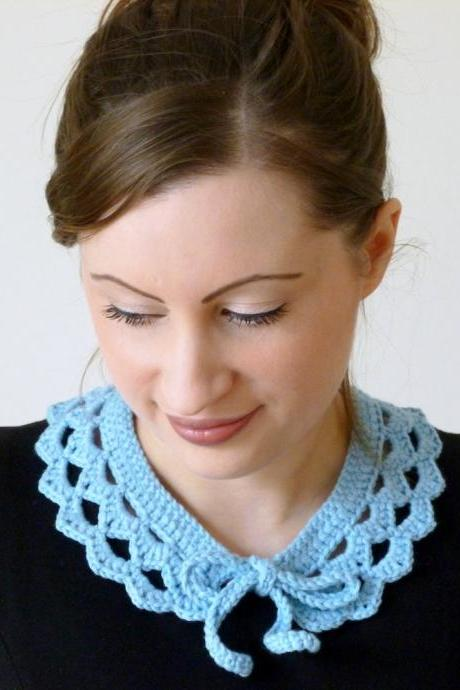 Crochet collar - pale blue