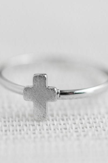 Tiny cross adjustable ring in silver ,adjustable ring,everyday jewelry, gift ring