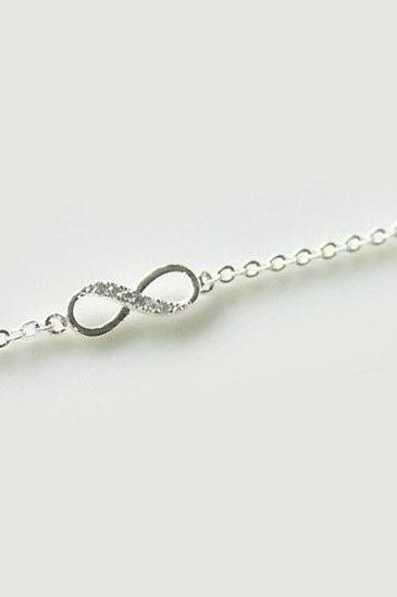 Bridesmaid gifts - Set of 5 - Infinity simple bracelet in silverFrom ElliesButton