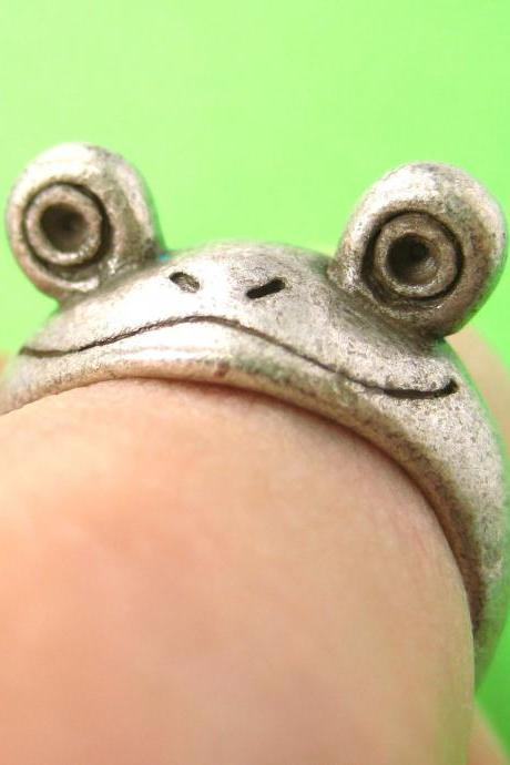 Realistic Frog Animal Pet Wrap Around Hug Ring in Silver Sizes 5 and 6