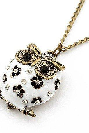 Vintage Style White Owl Pendant Necklace