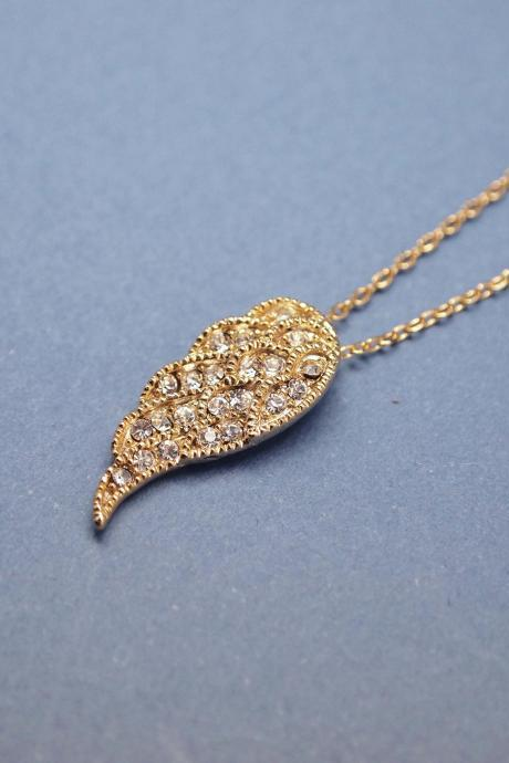 Angle Wings with cubic zirconia detail pendant necklace in Gold