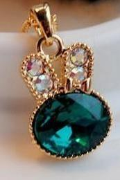 Green Turquoise Crystal Rhinestone Rabbit Head Pendant Necklace